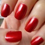 Gli smalti semi permanenti per le unghie fanno male?